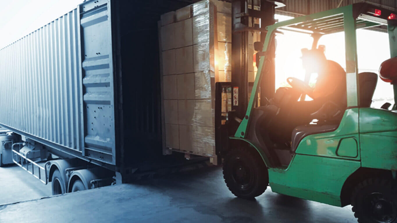 forklift loading into truck - local freight delivery services in ny, nj and ct